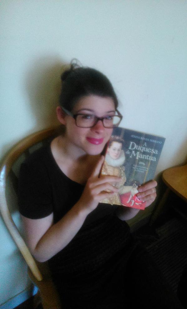 """Catarina Gaspar, vencedora do Passatempo 3 livros """"A Duquesa de Mântua"""", de Joana Bouza Serrano"""
