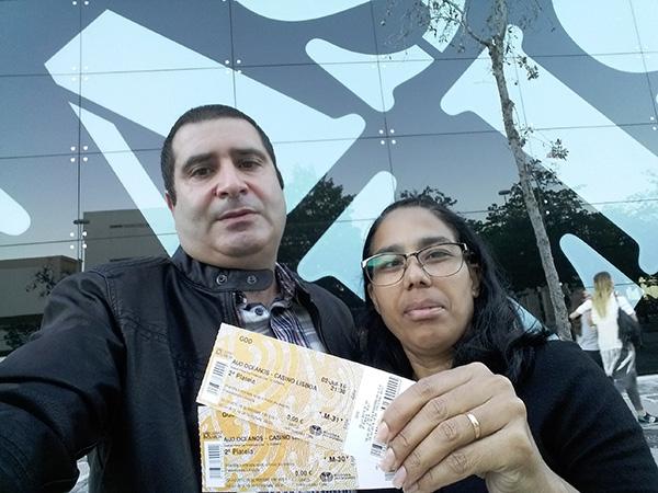 Cristina Nicassio, vencedora do Passatempo 100 mil amigos no Instagram - bilhete para a peça GOD, com Joaquim Monchique