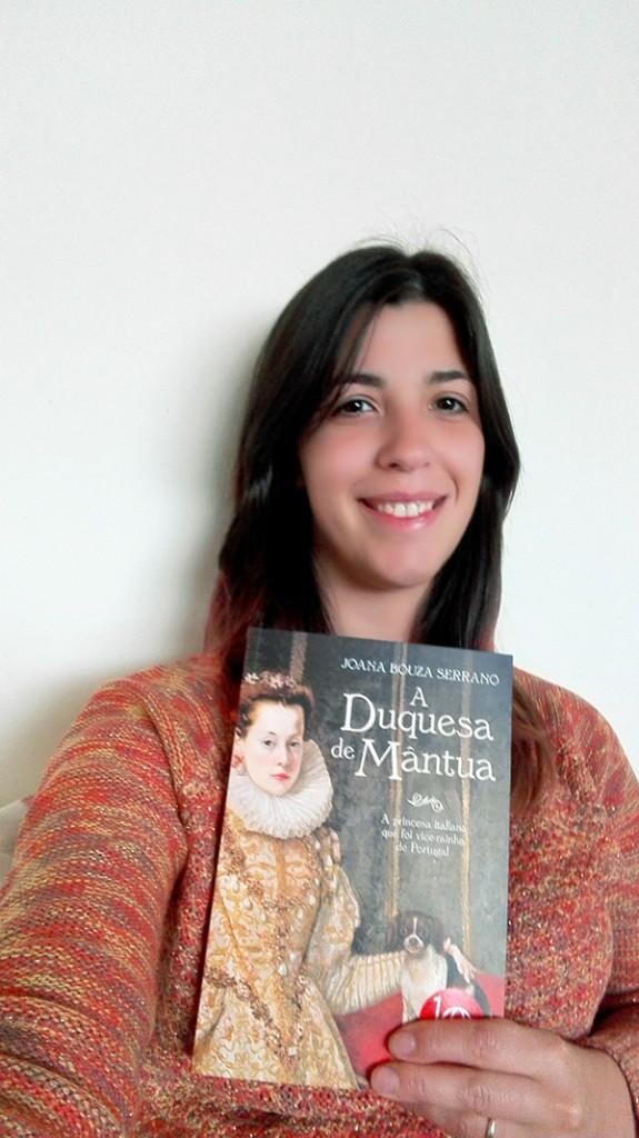 """Cristina Tavares, vencedora do Passatempo 3 livros """"A Duquesa de Mântua"""", de Joana Bouza Serrano"""
