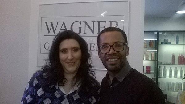 Carla Lourosa, com Wagner Santos, vencedora do Passatempo – Ganhe um dia de princesa com Wagner Cabeleireiros