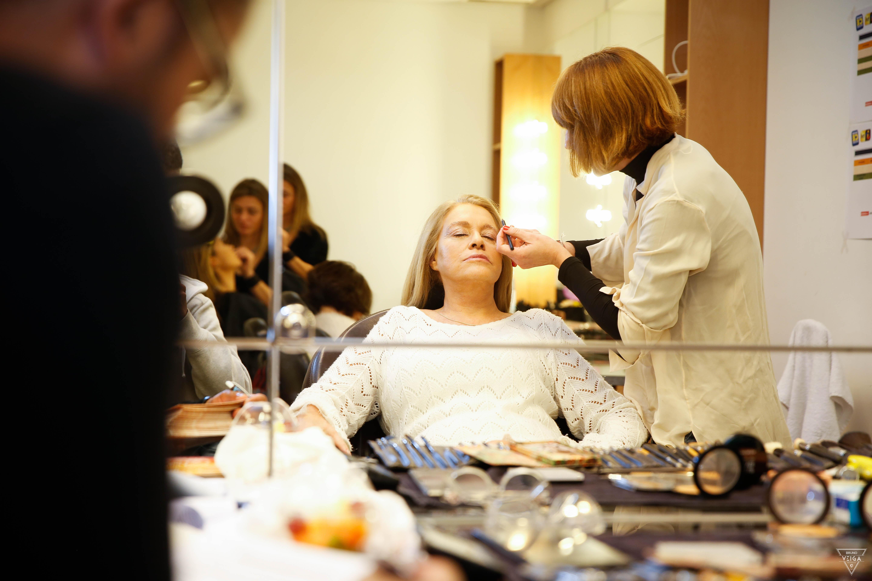 Teresa Guilherme nos bastidores da televisão - no camarim com querida maquilhadora Carmela