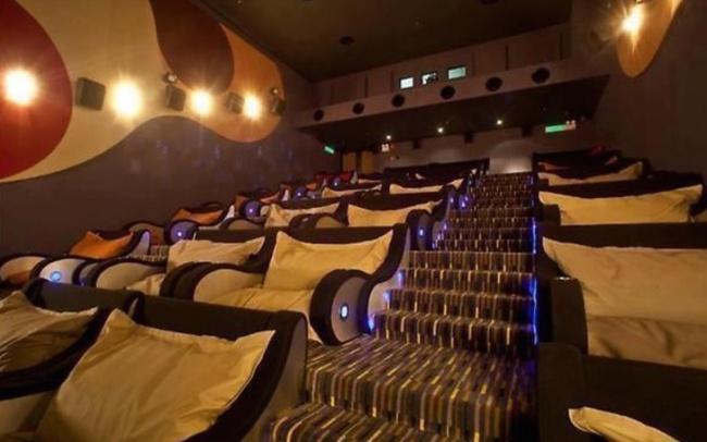 Invenções Geniais que Facilitam a Vida - Cinema com Sofás