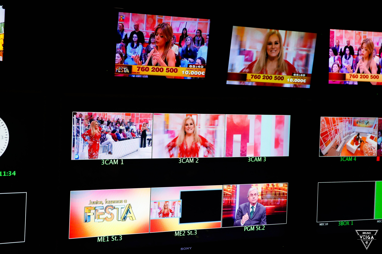 Teresa Guilherme nos bastidores da televisão - a régie do programa