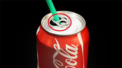 Coisas que sempre fizemos mal - beber de uma lata por uma palhinha