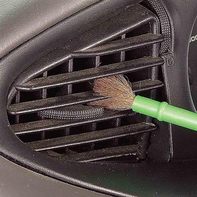 Limpar Superfícies Difíceis - Ventilação do Automóvel