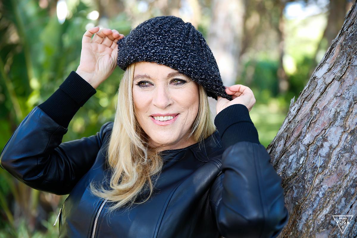 Chapéus há muitos - Teresa Guilherme de boina preta