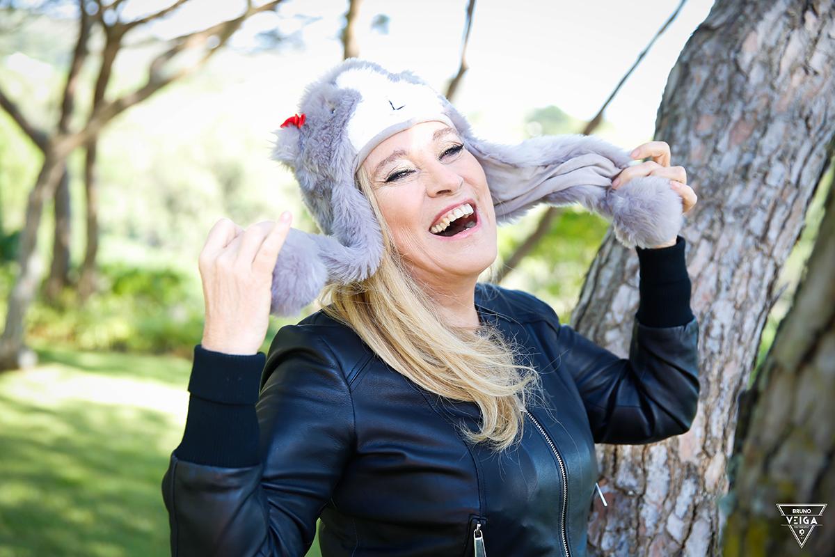 Chapéus há muitos - Teresa Guilherme de gorro com orelhas
