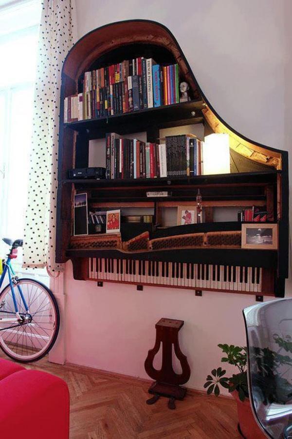 Reciclar é preciso, nunca mais deite nada fora - transformar um piano velho em estante