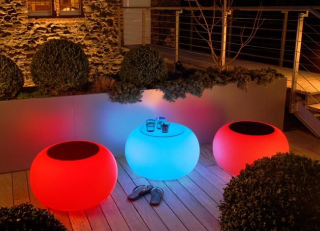 Invenções para tirar o melhor partido do seu jardim - móvel iluminado