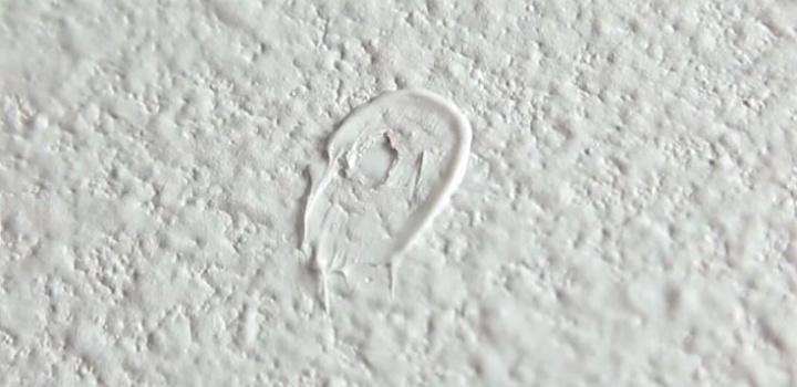 Pasta de dentes: 10 truques surpreendentes! - tapar buracos na parede