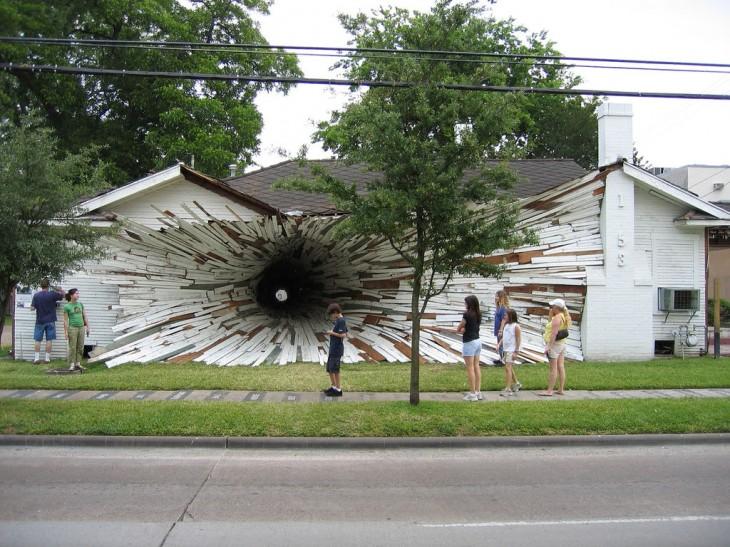 Os prédios mais loucos do Mundo - Casa Buraco - Texas, Estados Unidos