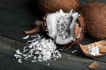 Top 10 dos alimentos alcalinos - Coco seco