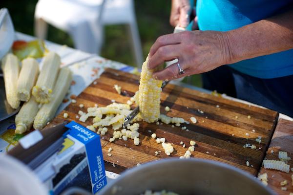 Truques de cozinha - tirar grãos da maçaroca