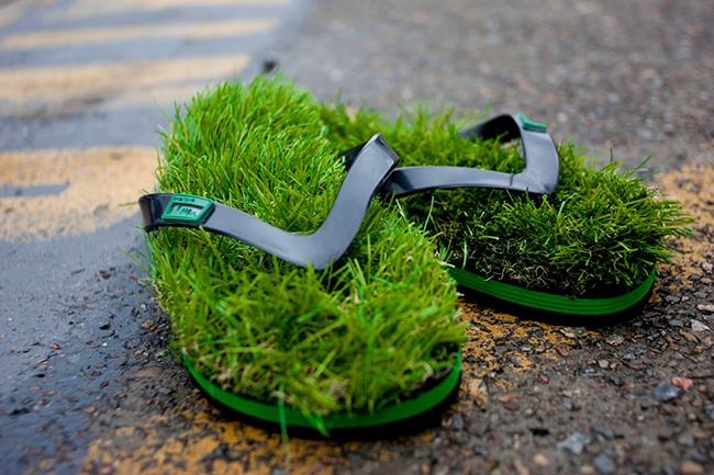 As invenções mais loucas do mundo - chinelos com relva