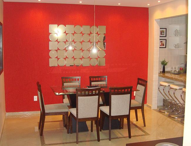Truques de decoração para a sua casa parecer muito maior - pinte 1 parede de cor intensa