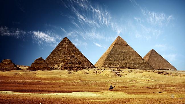 Monumentos mais fotografados do Mundo - Pirâmides do Egito, arredores da cidade do Cairo