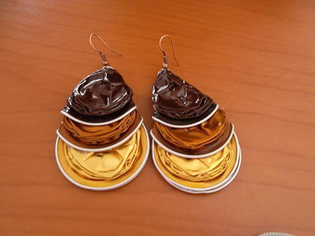 Ideias criativas para transformar cápsulas de café usadas em bijuteria - brincos