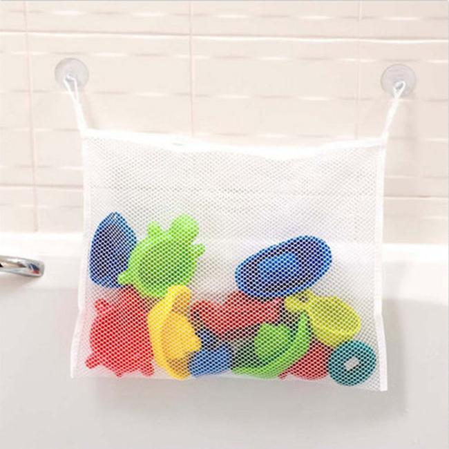 Ideias para dar uma vida nova à sua casa de banho - cesto para guardar brinquedos