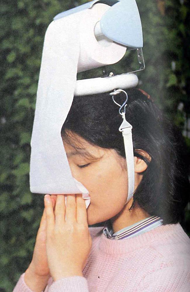 As invenções mais loucas do mundo - chapéu com rolo de papel higiénico