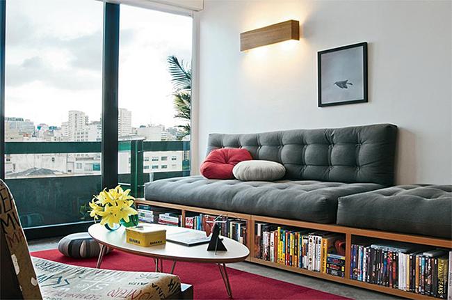 13 ideias fantásticas para organizar os seus livros - sofá-estante