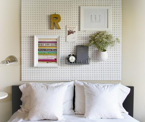 11 sugestões perfeitas de arrumação - placas perfuradas na decoração da sala