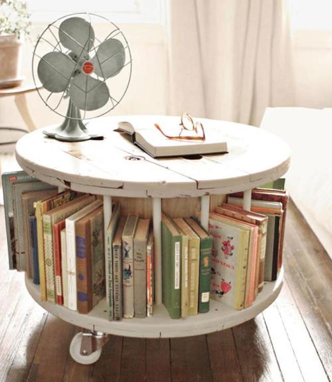 13 ideias fantásticas para organizar os seus livros - centro de mesa redonda