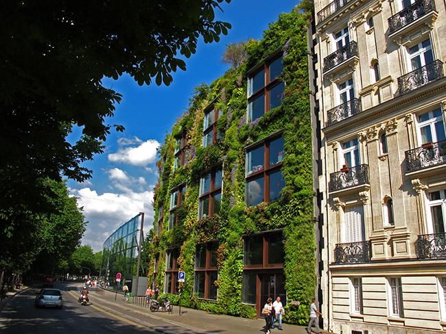 Jardins verticais dignos dos céus - Museu Quai Branly, Paris, França