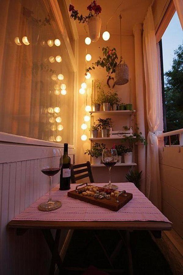 Faça da sua marquise uma biblioteca e espaço de leitura - refeições na varanda