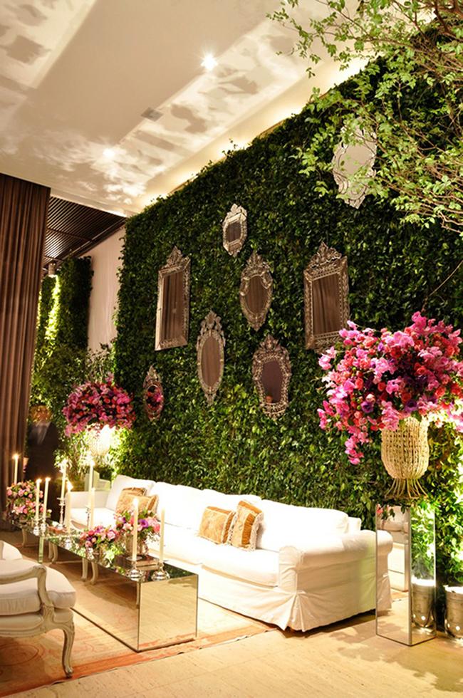 jardim vertical numa parede inteira