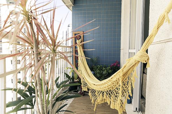 Ideias para varandas de todos os tamanhos - cama de rede