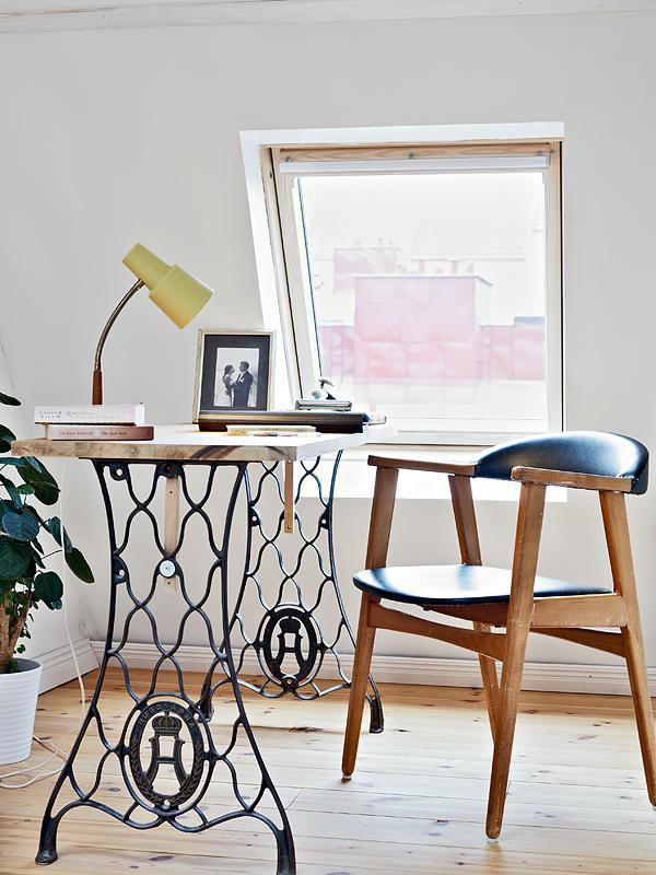 Estilo rústico - mesa de escritória feita com máquina de costura