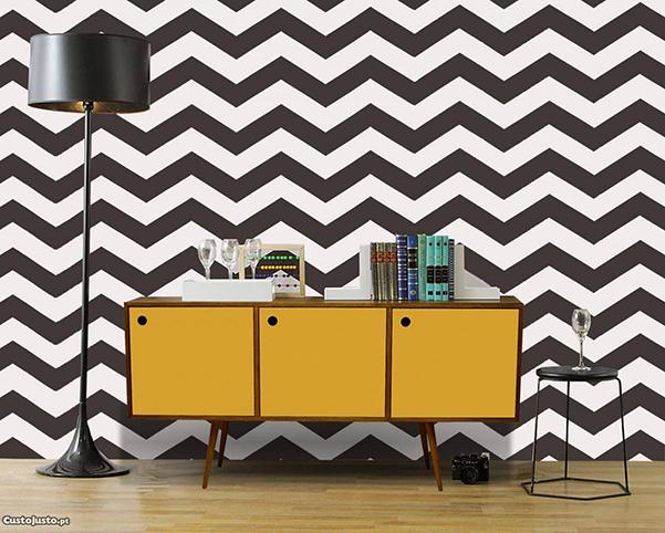 Aparadores que são estrelas de decoração - aparador de cor lisa e parede com padrões