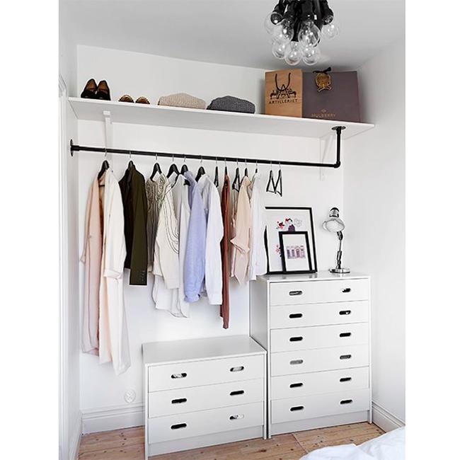 Closets de sonho para todas as carteiras - tubos para pendurar camisas