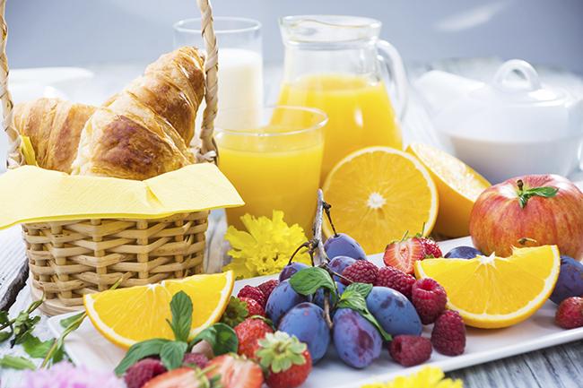 10 Hábitos saudáveis que o ajudarão a viver até aos 100 anos - consuma alimentos integrais