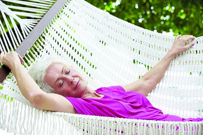 10 Hábitos saudáveis que o ajudarão a viver até aos 100 anos - durma pelo menos 6 horas