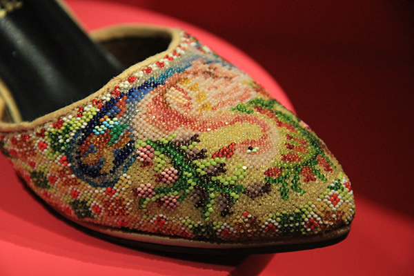 Missangas no calçado