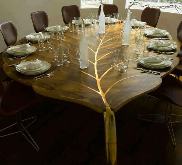 As mesas de jantar podem ser obras de arte, como esta