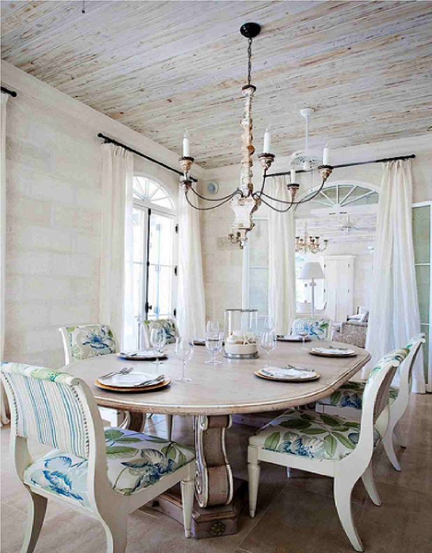 Mesa de jantar em pedra têm presença diferente