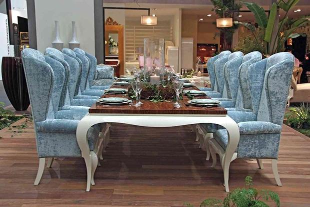A rainha das mesas de jantar