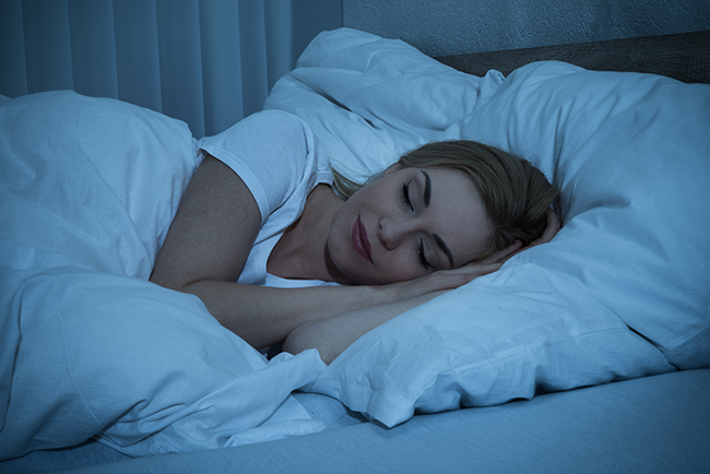 dormir bem ajuda a perder gordura abdominal