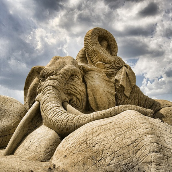 Esculturas de areia - elefantes
