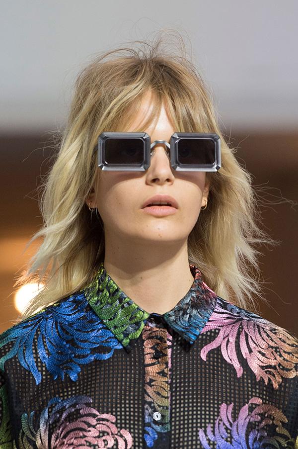 Óculos de sol super extravagantes