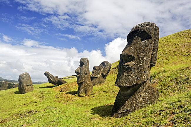 Moais na Ilha de Páscoa, Chile - Lugares mais misteriosos do mundo