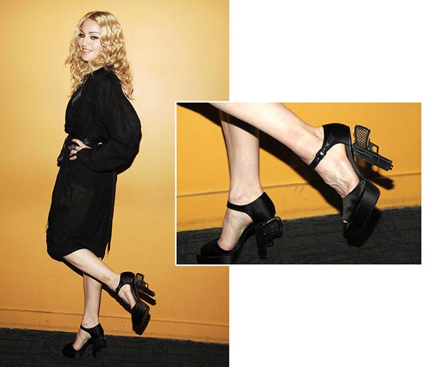Os 10 sapatos mais bizarros de sempre - Madonna