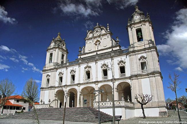 Lugares Santos em Portugal: Santuário do Senhor dos Milagres, Milagres, Leiria