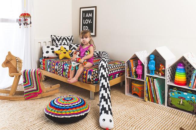 Quartos de criança coloridos, cores vivas