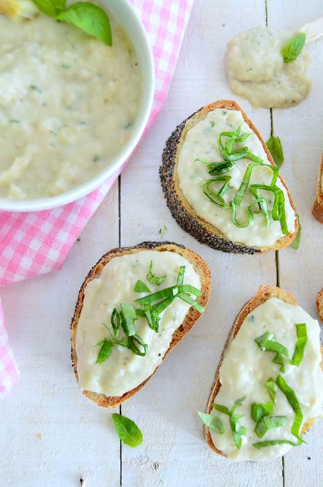 Receitas para piquenique - Hummus de feijão branco e alho assado