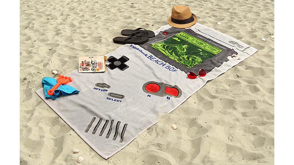 Toalhas de praia que não passam despercebidas - Toalha Game Boy