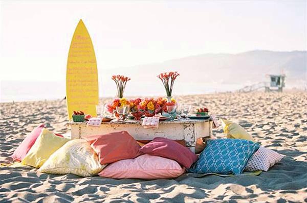 Casamentos na praia - decoração rústica com almofadões
