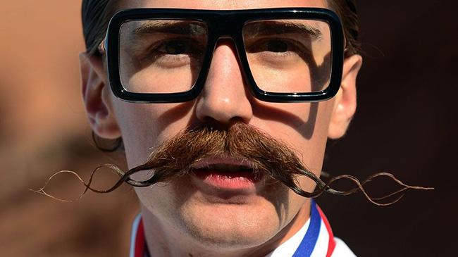 Bigodes de impor respeito - bigode original